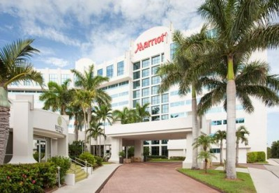 Photo of West Palm Beach Marriott Hotel from the front main entrance drive up entering the Porte Cochere
